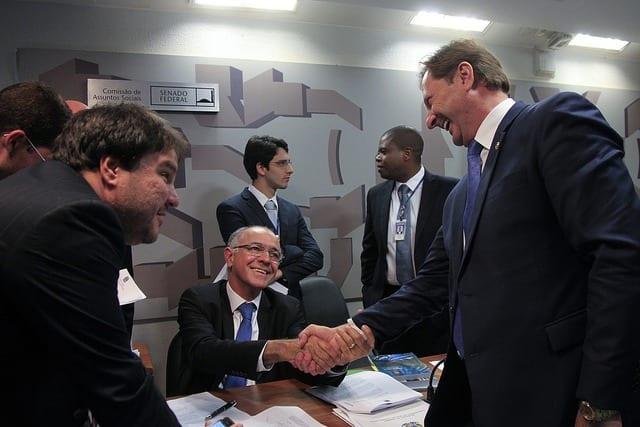 O deputado José Carlos Aleluia (DEM-BA)  tentou reiniciar a tramitação do projeto