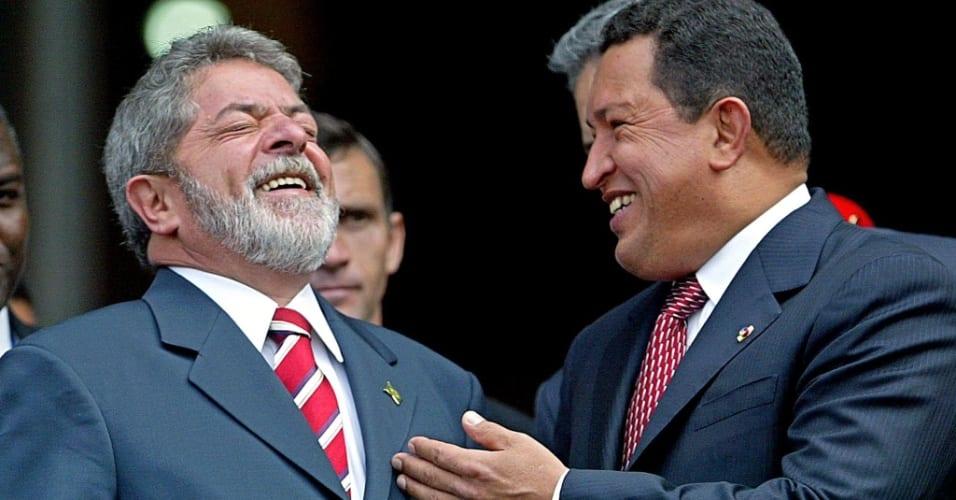 chavez-ri-ao-lado-do-ex-presidente-luiz-inacio-lula-da-silva-em-caracas-em-agosto-de-2003-1338304228387_956x500
