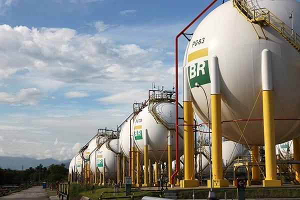 Resultado de imagem para Petrobras e BR Distribuidora fecham contrato de R$ 2 bi em gás natural