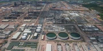 A Refinaria Abreu e Lima é uma das quatro à venda pela Petrobras