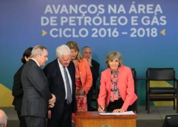 Assinatura dos contratos da 4a e 5a rodada do pré-sal. Palácio do Planalto Foto: Saulo Cruz/MME