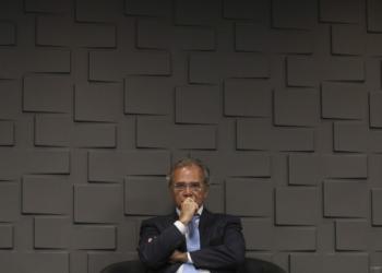 O ministro da Economia, Paulo Guedes , durante a cerimônia de transmissão do cargo do novo presidente do Banco do Brasil, Rubem Novaes. Foto: Fabio Rodrigues Pozzebom/Agência Brasil