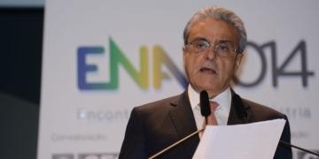 O presidente da Confederação Nacional da Indústria (CNI), Robson Braga de Andrade, abre o  9º Encontro Nacional da Indústria (Elza Fiúza/Agência Brasil)