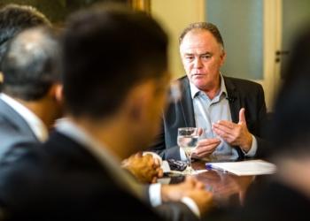 O governador do Espírito Santo Renato Casagrande durante entrevista coletiva>Foto: Cortesia governo do ES