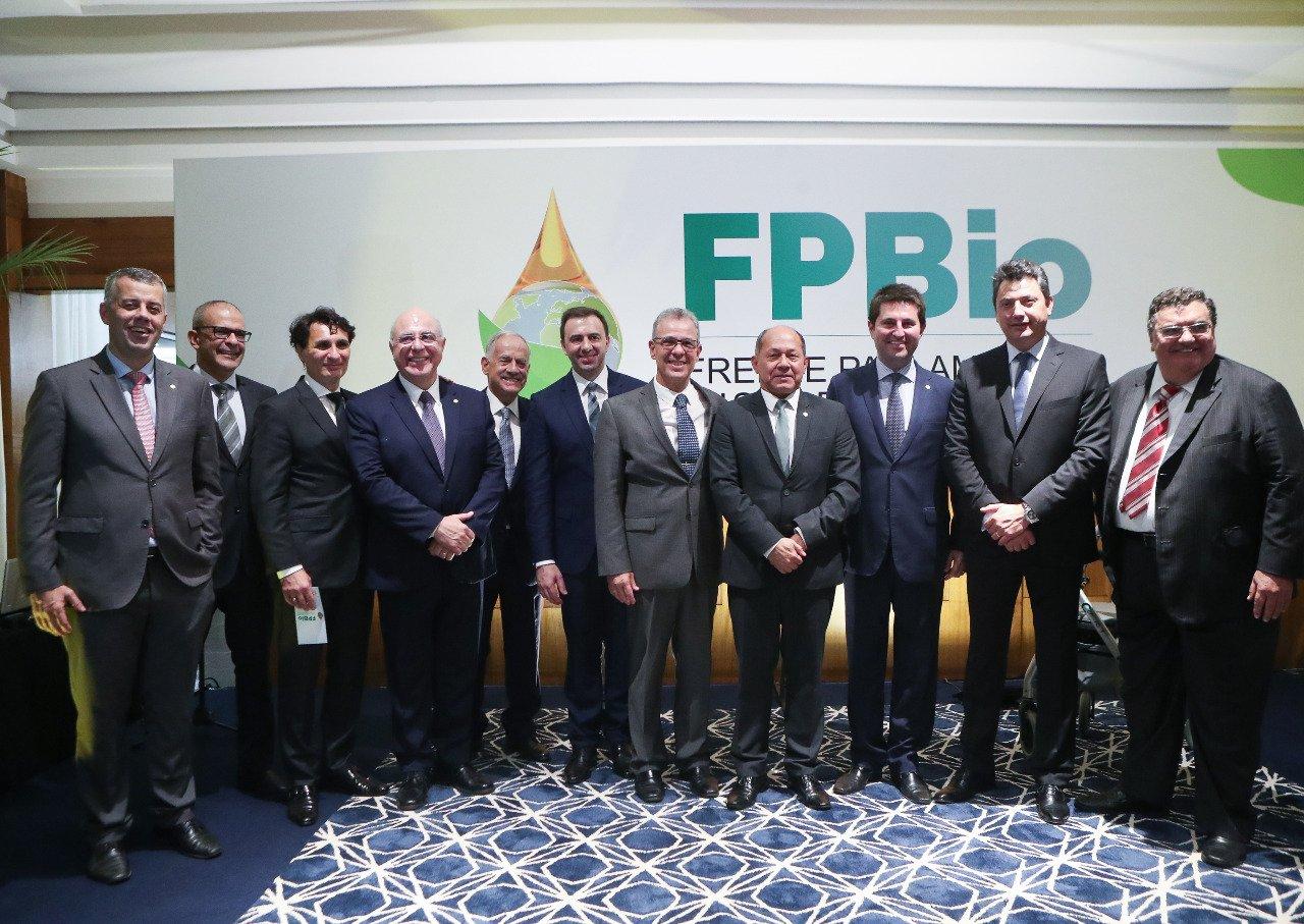 Ministro Bento Albuquerque no lançamento da FPBio (MME)