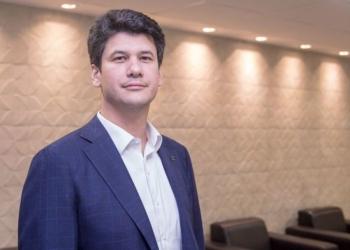 O secretário adjunto de Desestatização e Desinvestimento, Gustavo Montezano, será o novo presidente do Banco Nacional de Desenvolvimento Econômico e Social (BNDES).