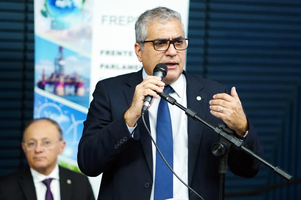 Deputado Christino Aureo (PP/RJ) durante lançamento da frente parlamentar pelo desenvolvimento sustentável do petróleo e energias renováveis, em maio -- foto: Pablo Valadares/Câmara dos Deputados