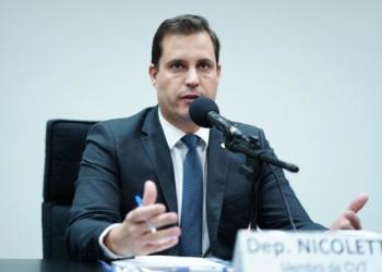 Antonio Nicoletti  defende que consumidores possam se unir por contrato para compartilhar geração fotovoltaica e vender excedente de energia às distribuidoras / Foto: Agência Câmara
