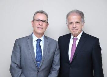 O ministro de Minas e Energia, Bento Albuqueque, com o ministro do TCU, José Mucio. Crédito: Samuel Figueira/TCU