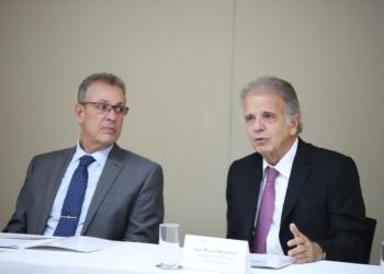 O ministro de Minas e Energia, Bento Albuquerque, e o ministro do TCU, José Mucio. Foto: Samuel Figueira/TCU