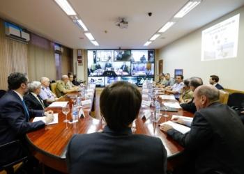O presidente Jair Bolsonaro, reuné-se com ministro da defesa, Fernando Azevedo.