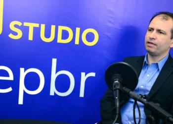 O diretor de Operações da PetroRio, Francisco Francilmar, em entrevista no OTC BRasil Studio. Foto: Stéferson Faria