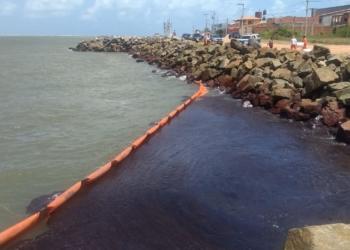 Barreira de contenção instalada no litoral de Aracaju (SE) / Foto: ONG Sou Vaza Barris