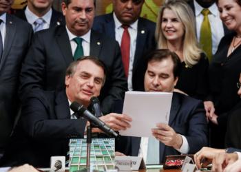 (Brasília - DF, 04/06/2019) Entrega do Projeto de Lei da Carteira Nacional de Habilitação (CNH) ao Presidente da Câmara, Rodrigo Maia.                                  Foto: Carolina Antunes/PR