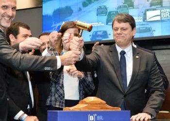 Ministro Tarcísio de Freitas em leilão de rodovias na B3 – concessão são alternativas do governo para atrair investimentos para infraestrutura. Foto por Alberto Ruy/MInfra
