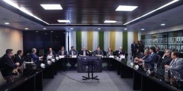 Bento Albuquerque recebe parlamentares de Minas Gerais para tratar o nível do reservatório do Lago de Furnas (Bruno Spada/MME)